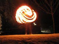 Feuershow-aus-Koblenz-Feuermaedchen-04