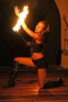 Feuershow-aus-Koblenz-Feuermaedchen-07