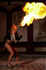 Feuershow aus Berlin mit Firegirl Angelina